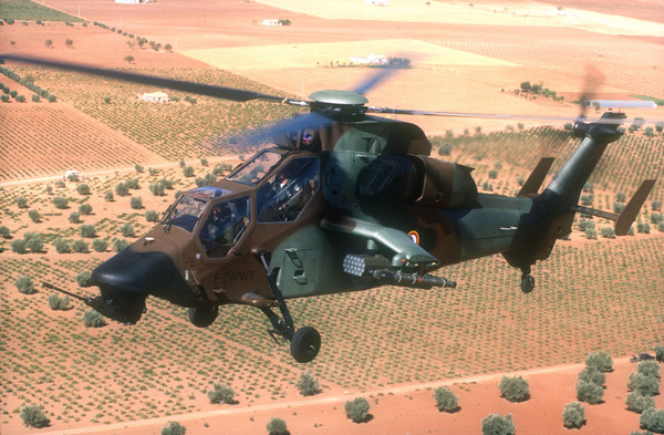 Un des hélicoptères les plus puissants... dans Types d'appareils 16