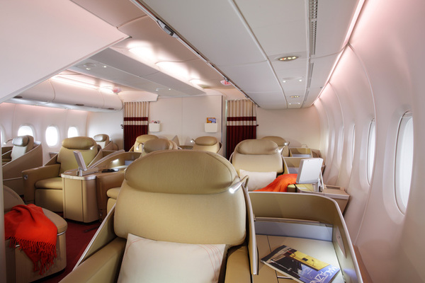 Air france toutes les photos du premier a380 actualit for Interieur paris premiere