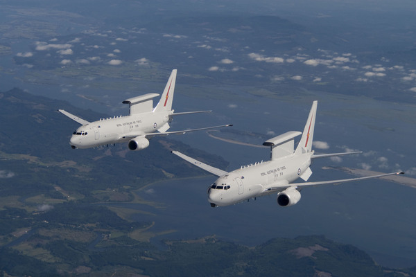 Deux Wedgetail 737 AEW&C de la Royal Australian Air Force en vol