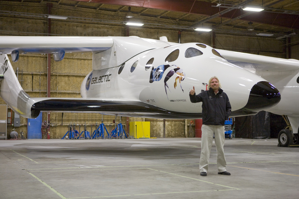 Le SpaceShipTwo avec Sir Richard Branson