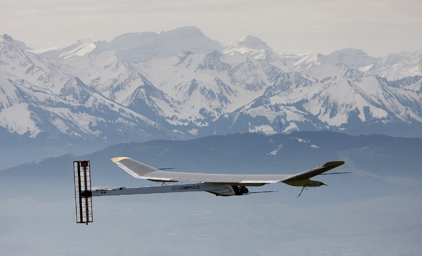 Premier vol du Solar Impulse