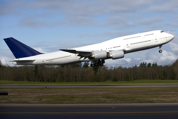 Le second Boeing 747-8 intercontinental effectue son premier vol