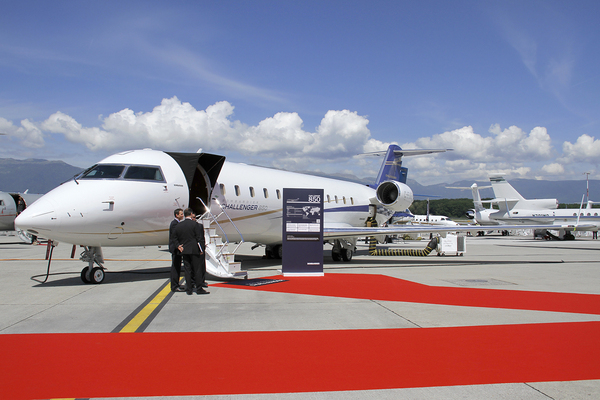 CL600 Challenger 850 - C-FUQY EBACE 2011
