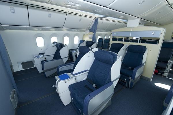 cabine du premier boeing 787 dreamliner dana