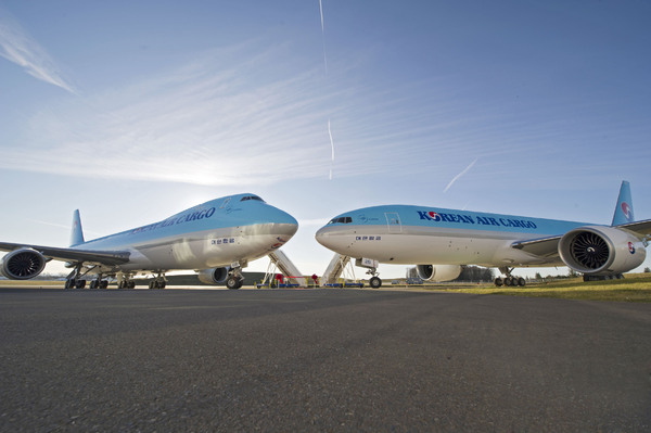 Boeing 747-800F et Boeing 777F Korean Air Cargo
