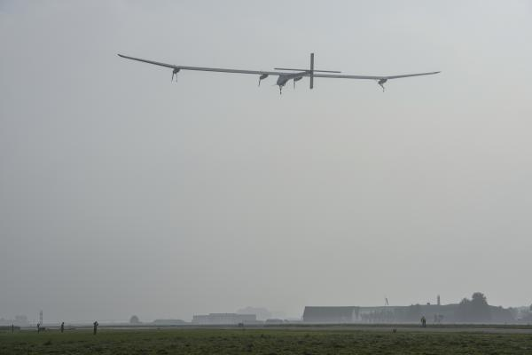 Décollage Solar Impulse.