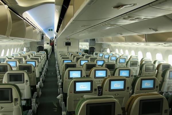 Un boeing 787 paris actualit a ronautique aeroweb for L interieur d un avion