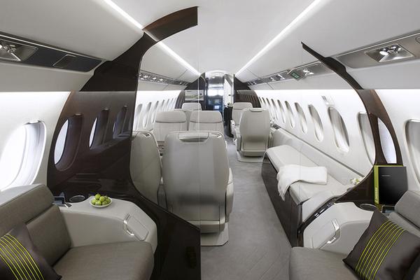Dassault lance le falcon 5x au nbaa actualit for Interieur falcon 2000