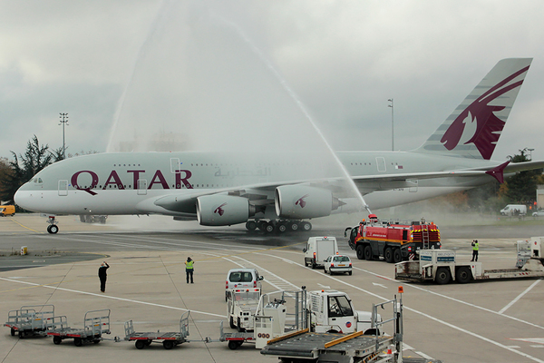 Qatar airways inaugure la liaison paris doha en airbus for Interieur airbus a340 600