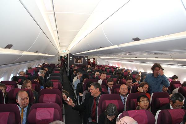 C r monie airbus a350 qatar airways m dias aeroweb for Interieur qatar airways
