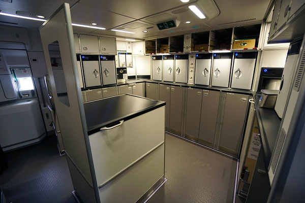 galley arrière de l'Airbus A350 de Singapore Airlines