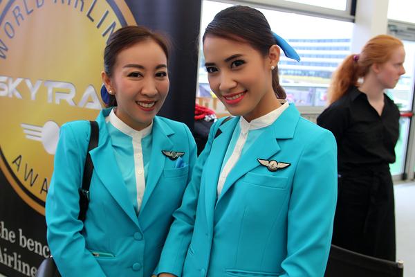 Hôtesses Ethiopian Airlines - Médias - AeroWeb-fr.net