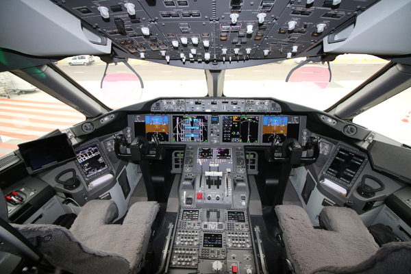 Air france re oit son premier 787 photos actualit for Interieur d avion air france
