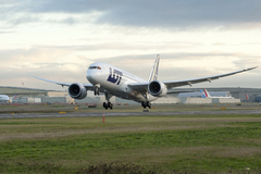 Boeing 787 Lot Polish