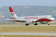 Tupolev 204 Red Wings Ra-64047