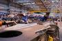 Assemblage d'un mat réacteur d'un A320 à l'usine Airbus de St Eloi à Toulouse