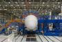 Premier Boeing 787-9 en cours d'assemblage final